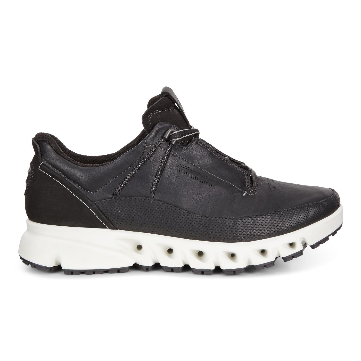 ECCO OMNI-VENT. Outdoor Shoe