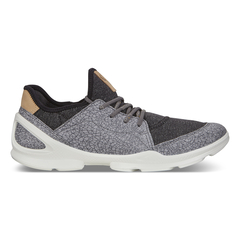ECCO BIOM STREET. Women's Outdoor Shoe