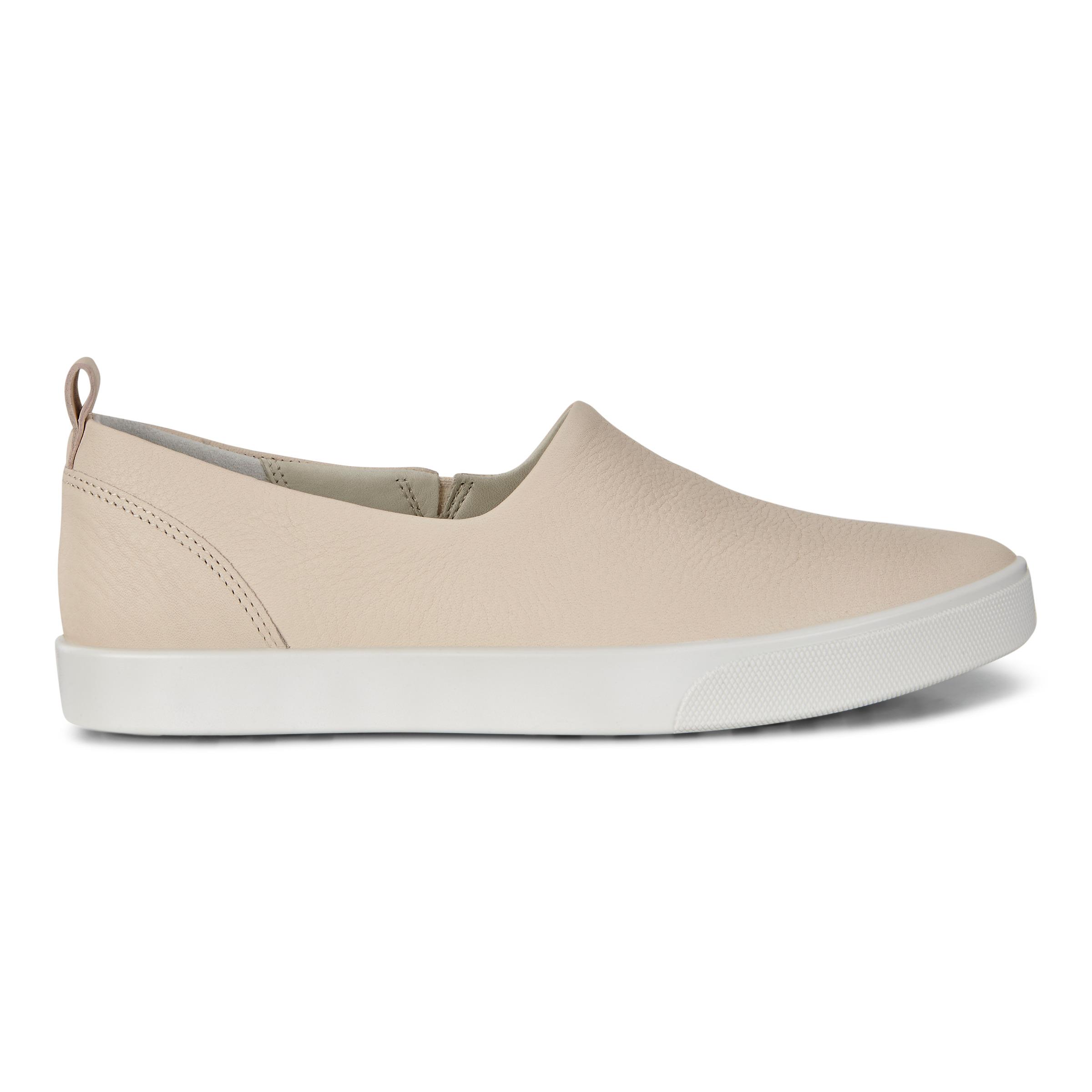 ECCO Gillian Slip On Sneakers Size 6-6.5 Vanilla